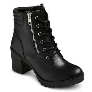black easton boot